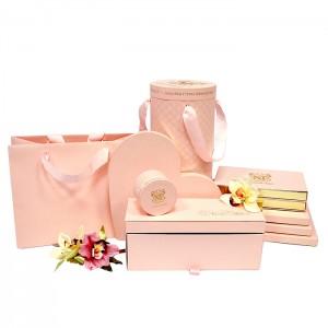 Упаковка розового цвета